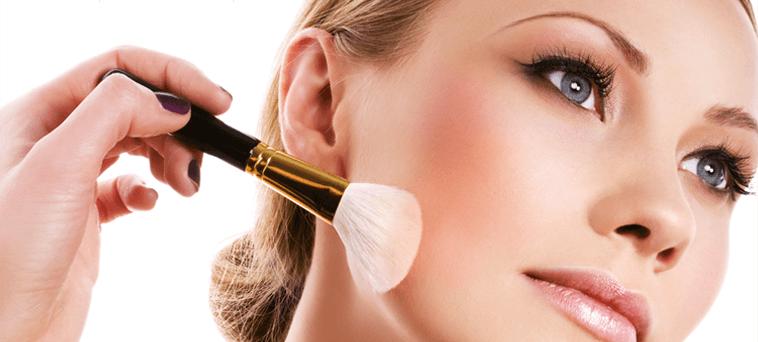 applying rightbasr for minimal makeup