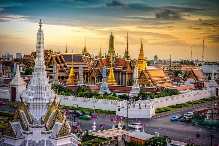 friends trip thailand
