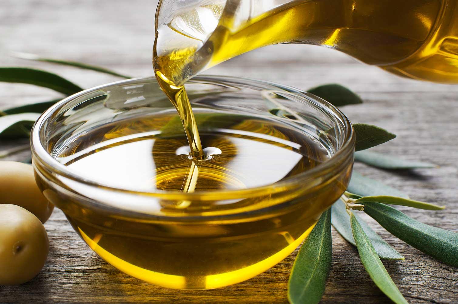 olive_oil_for whitning_skin