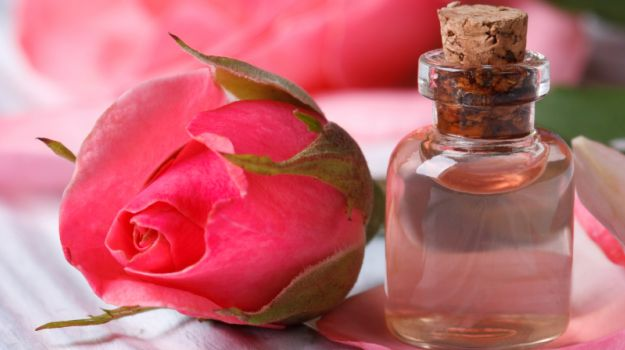 rose water for pimples