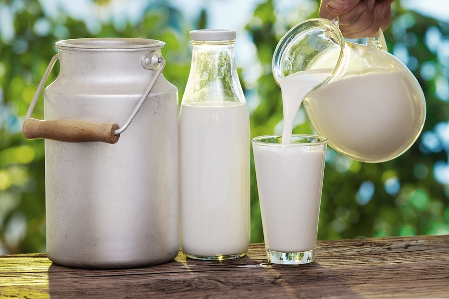 Raw milk for feed whiting