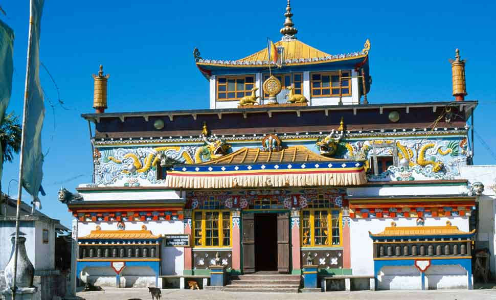 monastery-darjeeling-travel-guide