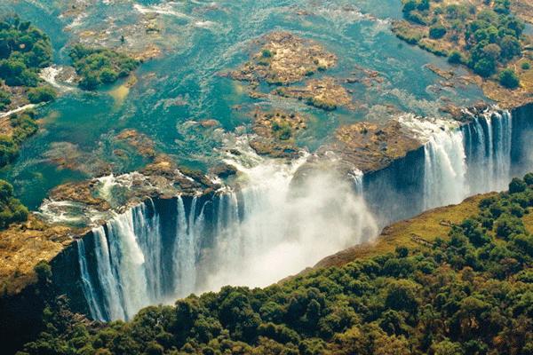 Victoria-Falls-Zimbabwe-Beautiful-Africa-1