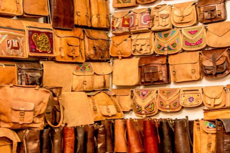 leather_bags_at_bapu_bazar