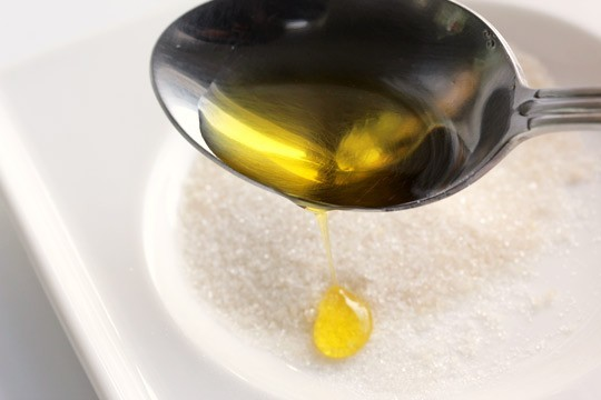 sugar-and-olive-oil